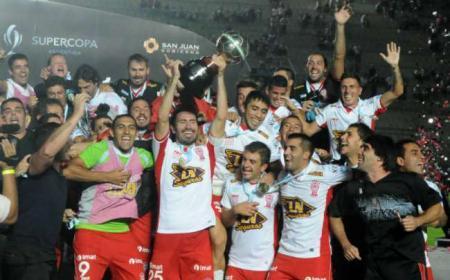 Huracán campeón de la Supercopa Argentina