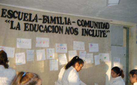 Exitosa jornada Escuela, Familia y Comunidad en el Bº Estación