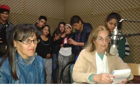 """La Escuela Nº 24 """"San José Obrero"""" de visita en FM La Cueva"""