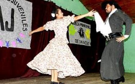 Escuela de Danzas y el CAJ cerraron su ciclo lectivo