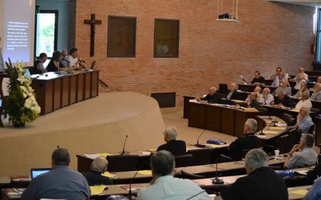 Prevención de abusos, reconciliación y scouts, temas del plenario de obispos