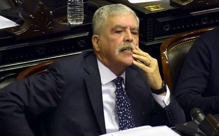 Julio De Vido pidió licencia como diputado